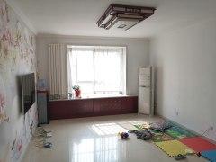 出售商河泰和名都小区3室2厅2卫133m²精装修