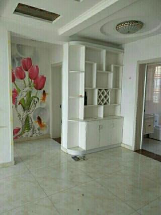 出售商河泰和名都小区5室3厅2卫98m²精装修